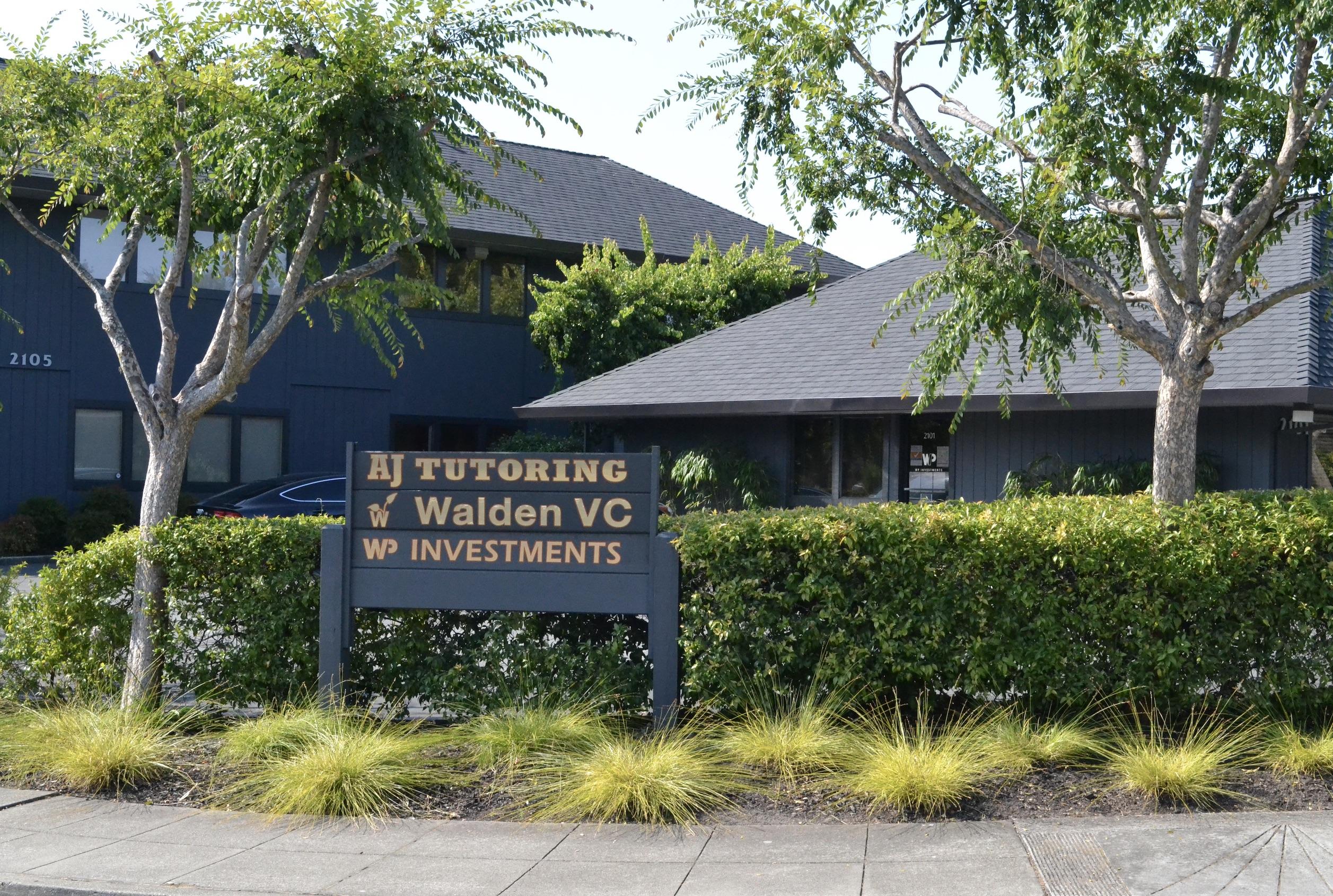 Woodside Road_Sign